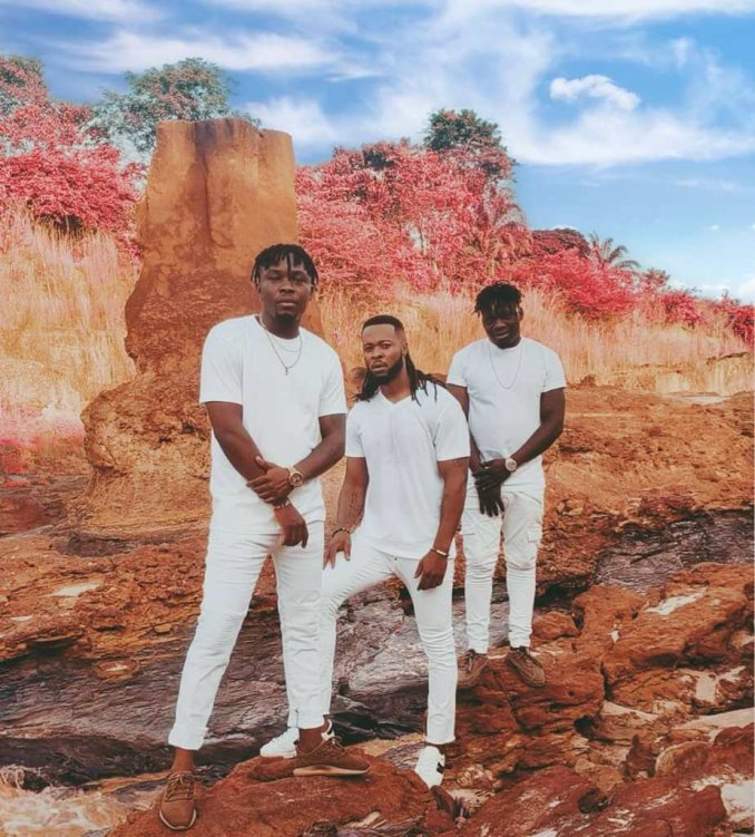 Flavour ft Umu Obiligbo - Odogwu